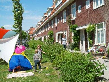 AMSTERDAM STREET PLAY
