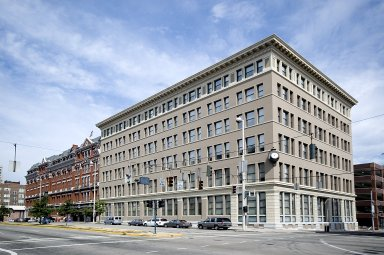Alms and Doepke Building