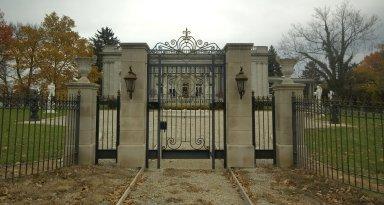 [Laurel Court, Peter G. Thomson House]