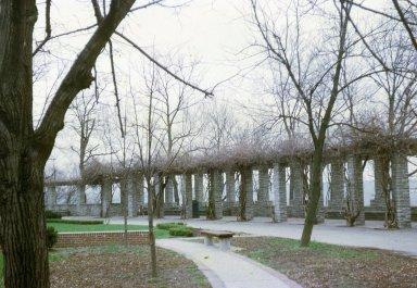 Mariemont Concourse