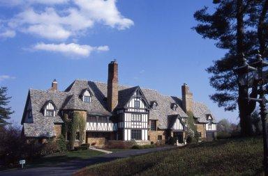 [Breezy Hill Farm, The White Eustis House]