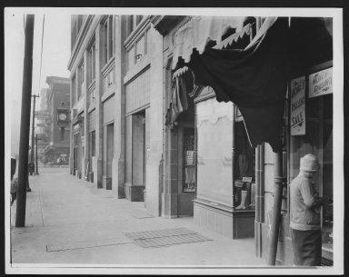 Rapid Transit Photographs -- Box 12, Folder 13 (September 18, 1926 - September 20, 1926) -- print, 1926-09-20, 8:20 A.M.
