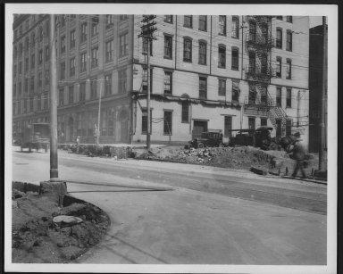 Rapid Transit Photographs -- Box 12, Folder 35 (April 11, 1927 - April 27, 1927) -- print, 1927-04-27, 3:25 P.M.