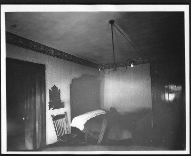 Rapid Transit Photographs -- Box 12, Folder 55 (July 26, 1927 - July 29, 1927) -- print, 1927-07-29, 10:01 A.M.