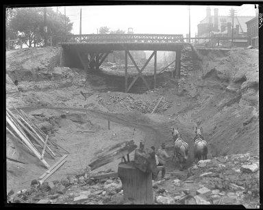 Rapid Transit Photographs -- Box 13, Folder 31 (June 19, 1920 - June 25, 1920) -- negative, 1920-06-19, 9:50 A.M.
