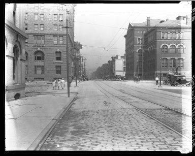 Rapid Transit Photographs -- Box 16, Folder 06 (August 16, 1921 - August 19, 1921) -- negative, 1921-08-16, 11:35 A.M.