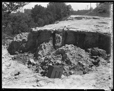 Rapid Transit Photographs -- Box 18, Folder 14 (August 28, 1924 - August 29, 1924) -- negative, 1924-08-28, 12:02 P.M.