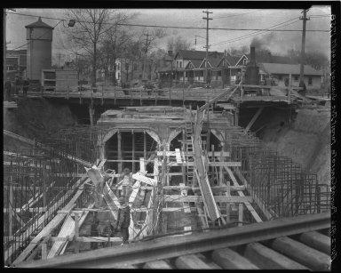 Rapid Transit Photographs -- Box 18, Folder 27 (January 10, 1926 - June 3, 1926) -- negative, 1926-04-02, 10:44 A.M.