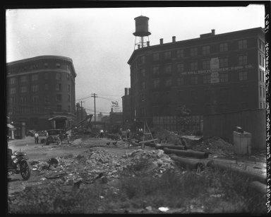 Rapid Transit Photographs -- Box 18, Folder 28 (June 3, 1926 - August 10, 1926) -- negative, 1926-08-10, 2:01 P.M.
