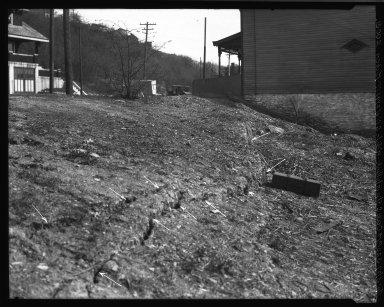 Rapid Transit Photographs -- Box 19, Folder 22 (April 5, 1927 - April 6, 1927) -- negative, 1927-04-05, 3:20 P.M.