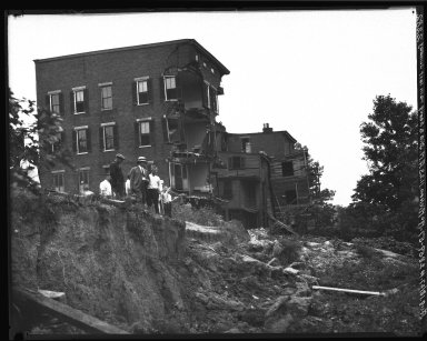 Rapid Transit Photographs -- Box 20, Folder 15 (August 2, 1927 - August 18, 1927) -- negative, 1927-08-18, 11:23 A.M.