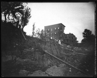 Rapid Transit Photographs -- Box 20, Folder 15 (August 2, 1927 - August 18, 1927) -- negative, 1927-08-18, 11:24 A.M.