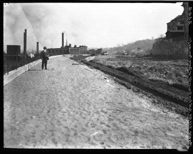 Rapid Transit Photographs -- Box 20, Folder 26 (April 27, 1928 - May 4, 1928) -- negative, 1928-05-04, 9:39 A.M.