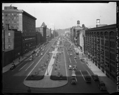 Rapid Transit Photographs -- Box 20, Folder 33 (July 11, 1928 - July 14, 1928) -- negative, 1928-09-04, 5:22 P.M.