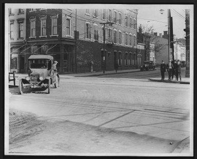 Street Improvement Photographs -- Box 23, Folder 33 (Freeman Avenue) -- print, 1929