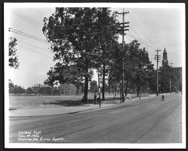 Street Improvement Photographs -- Box 23, Folder 33 (Freeman Avenue) -- print, 1932-06-30