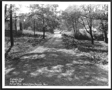 Street Improvement Photographs -- Box 24, Folder 29 (Hetzel Avenue) -- print, 1929-08-15
