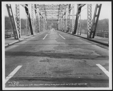 Street Improvement Photographs -- Box 25, Folder 07 (Kellogg Avenue) -- print, 1938-12-06