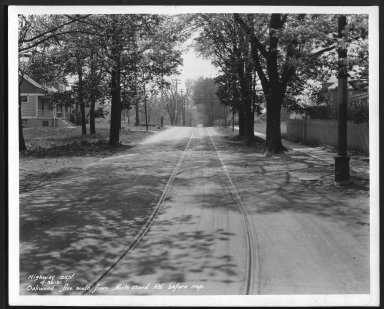 Street Improvement Photographs -- Box 27, Folder 39 (Oakwood Avenue) -- print, 1931-04-30