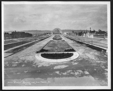 Street Improvement Photographs -- Box 29, Folder 47 (Union Terminal Approach) -- print, 1933-02-01