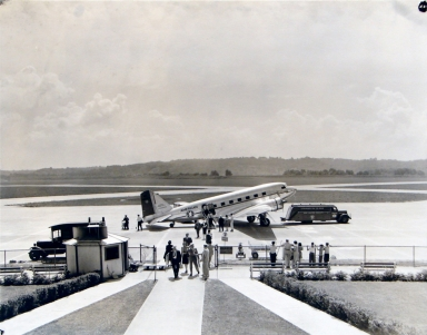 American Airline, Arrival of Passengers