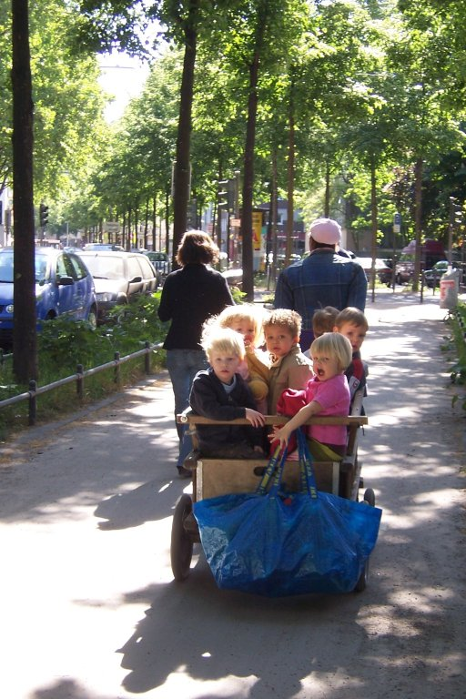 CHILDREN'S AND THEIR ENVIRONMENTS IN GERMANY