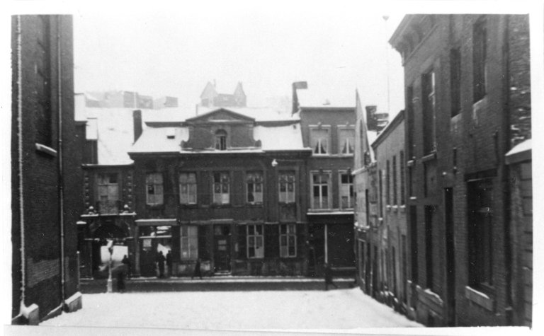 Liege, Schoolhouse 1