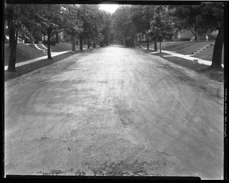 Street Improvement Photographs -- Box 35, Folder 52 (Franklin Avenue) -- negative, 1929
