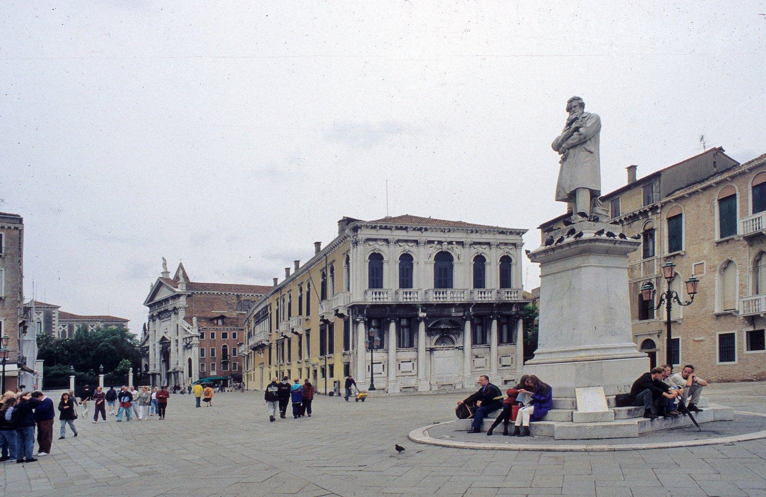 Campo Santo Stefano, Venice