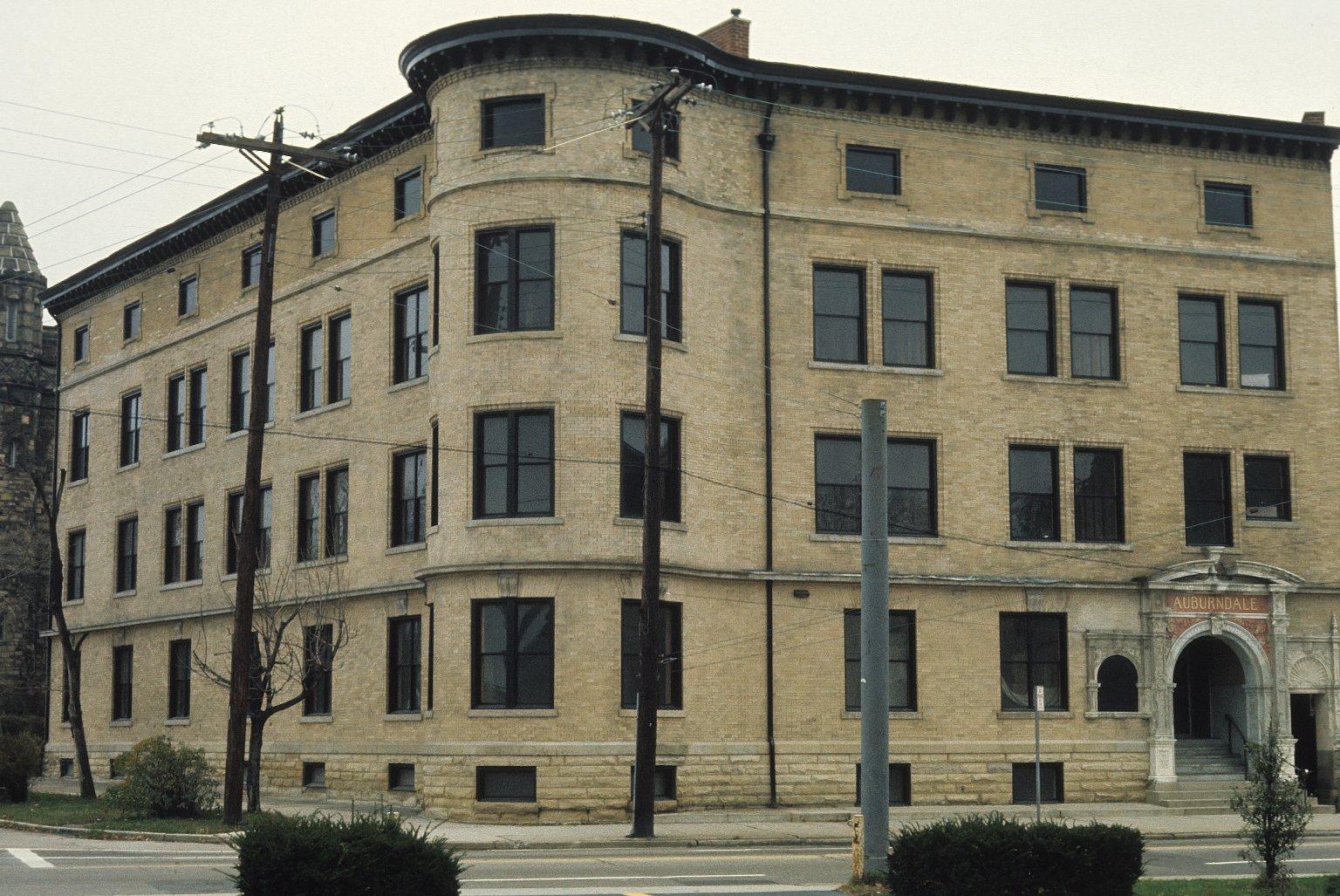 Auburndale Apartments