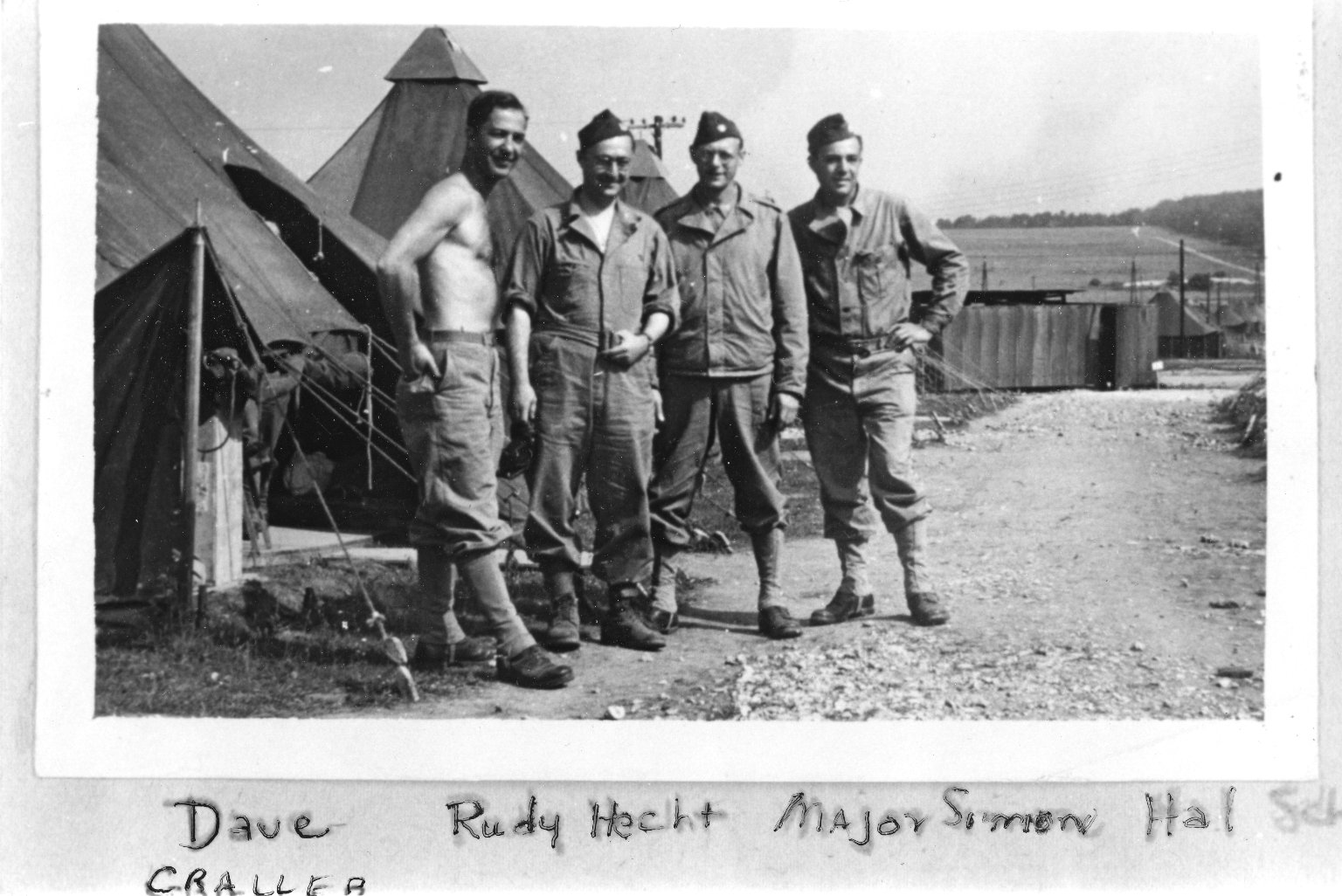 Tidworth, Dave Graller, Rudy Hecht, Major Simon, Hal Shirro (Drs.)