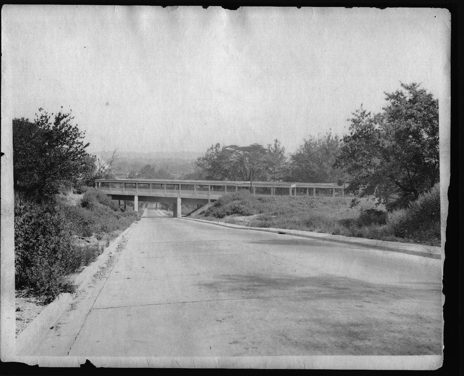 Rapid Transit Photographs -- Box 12, Folder 04 (November 21, 1923 - August 28, 1924) -- print, 1924-08-28, 9:55 A.M.
