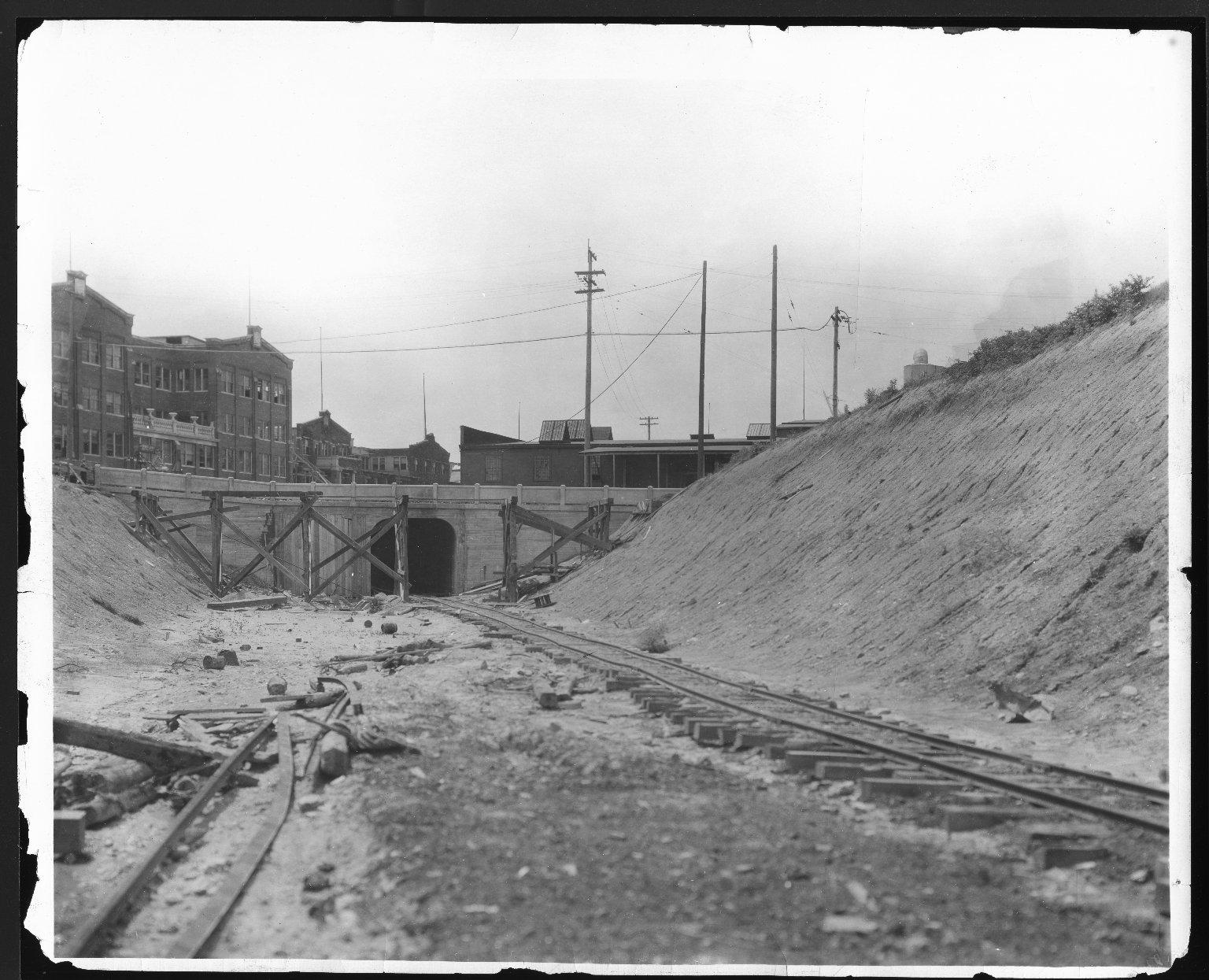 Rapid Transit Photographs -- Box 12, Folder 05 (August 28, 1924 - August 10, 1926) -- print, 1926-06-03, 10:55 A.M.