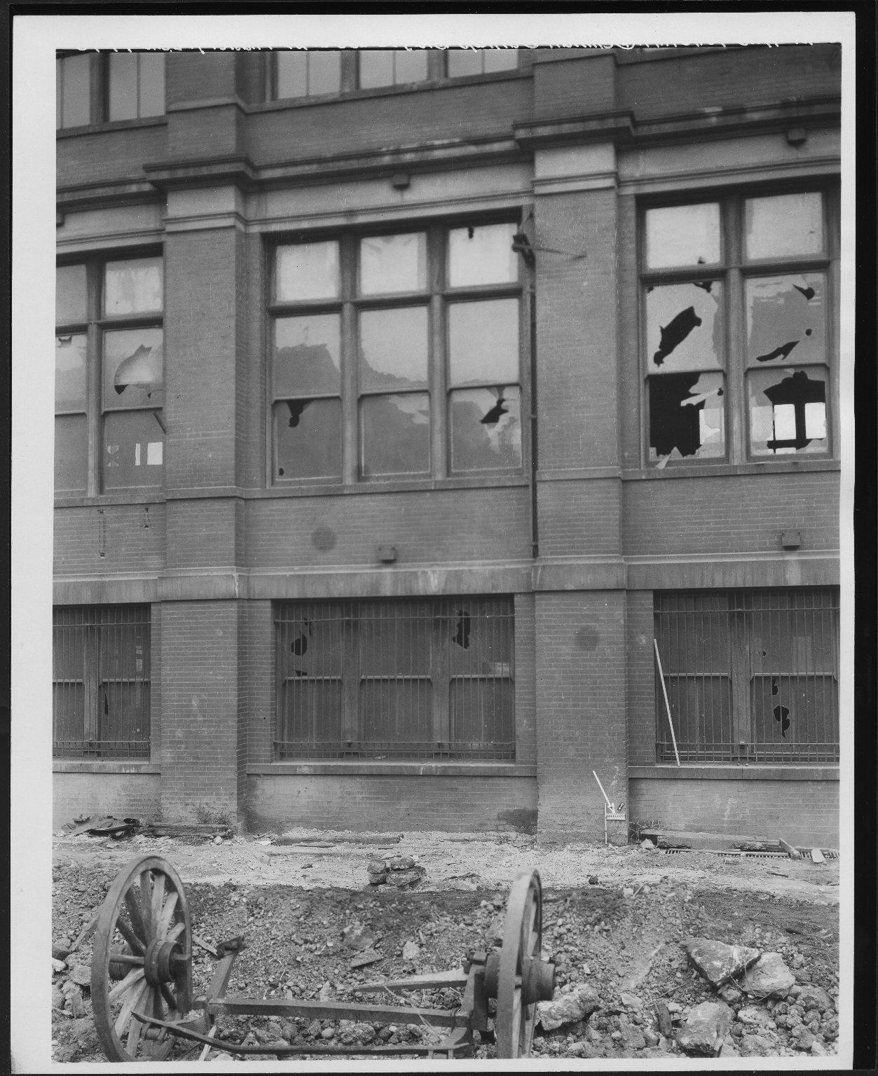Rapid Transit Photographs -- Box 12, Folder 08 (September 15, 1926 - September 17, 1926) -- print, 1926-09-17, 10:16 A.M.