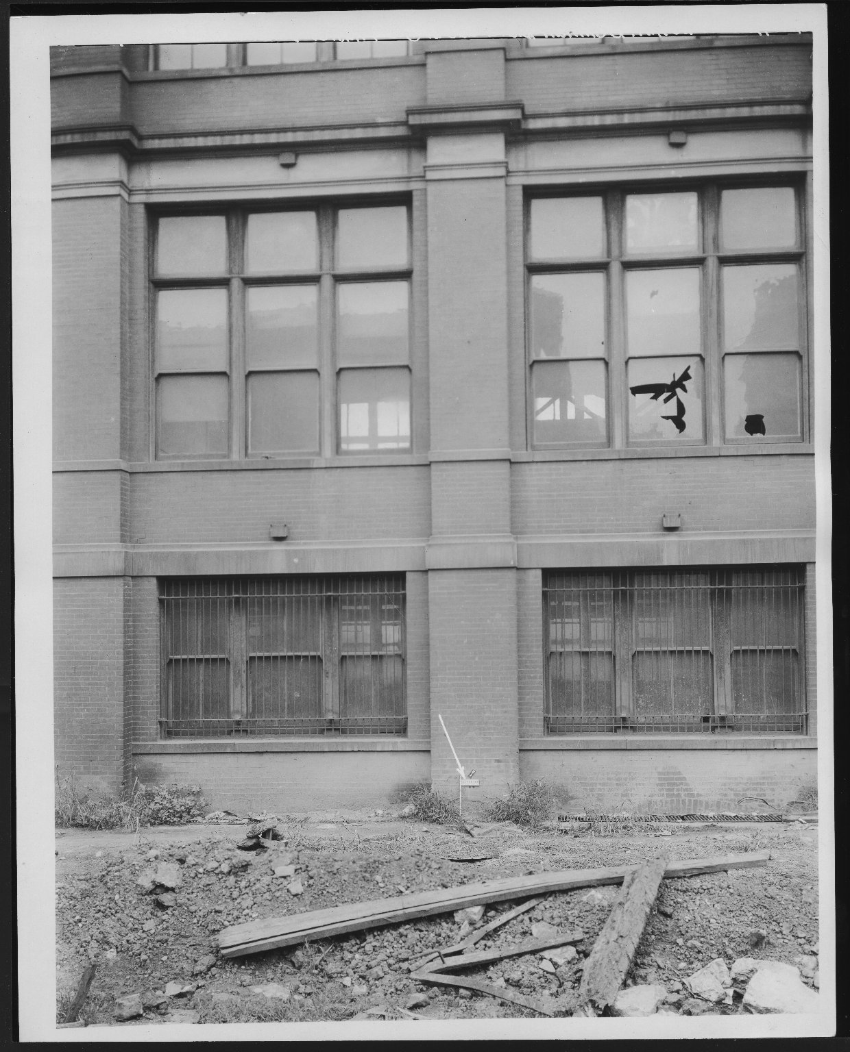 Rapid Transit Photographs -- Box 12, Folder 08 (September 15, 1926 - September 17, 1926) -- print, 1926-09-17, 10:20 A.M.