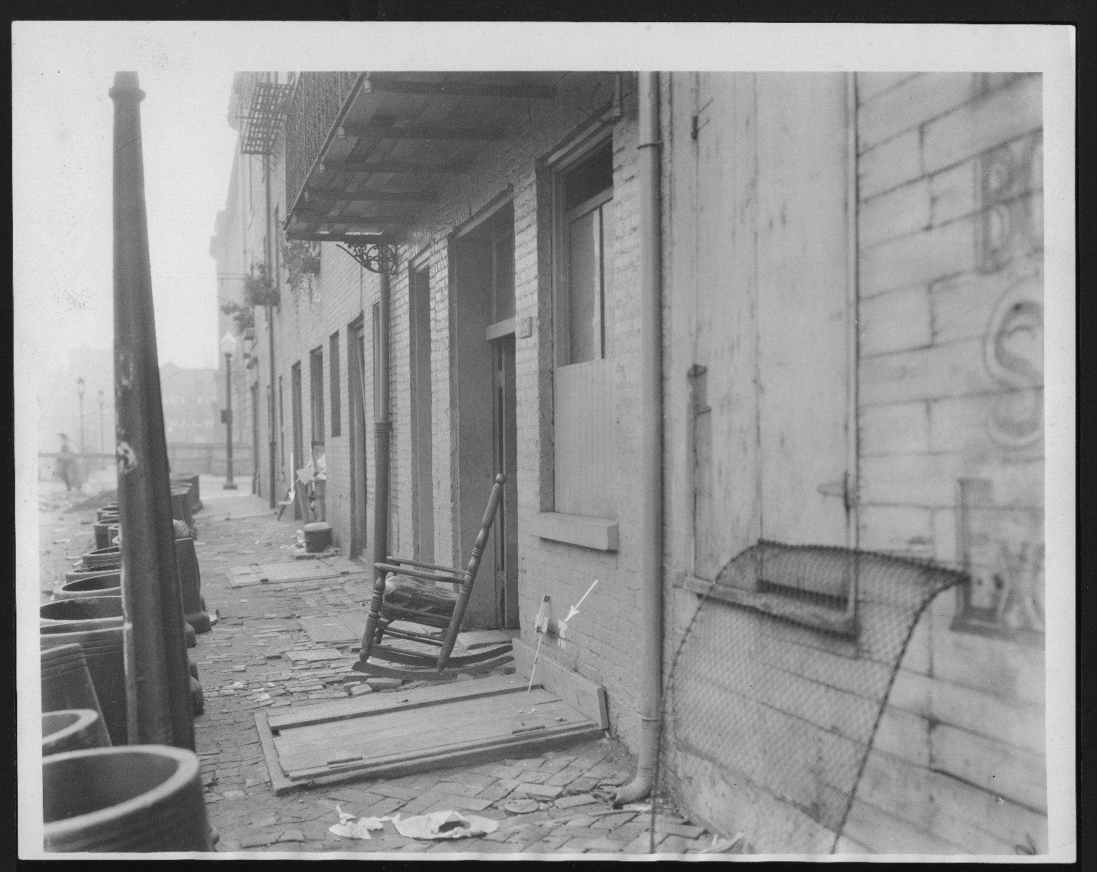 Rapid Transit Photographs -- Box 12, Folder 13 (September 18, 1926 - September 20, 1926) -- print, 1926-09-20, 9:07 A.M.