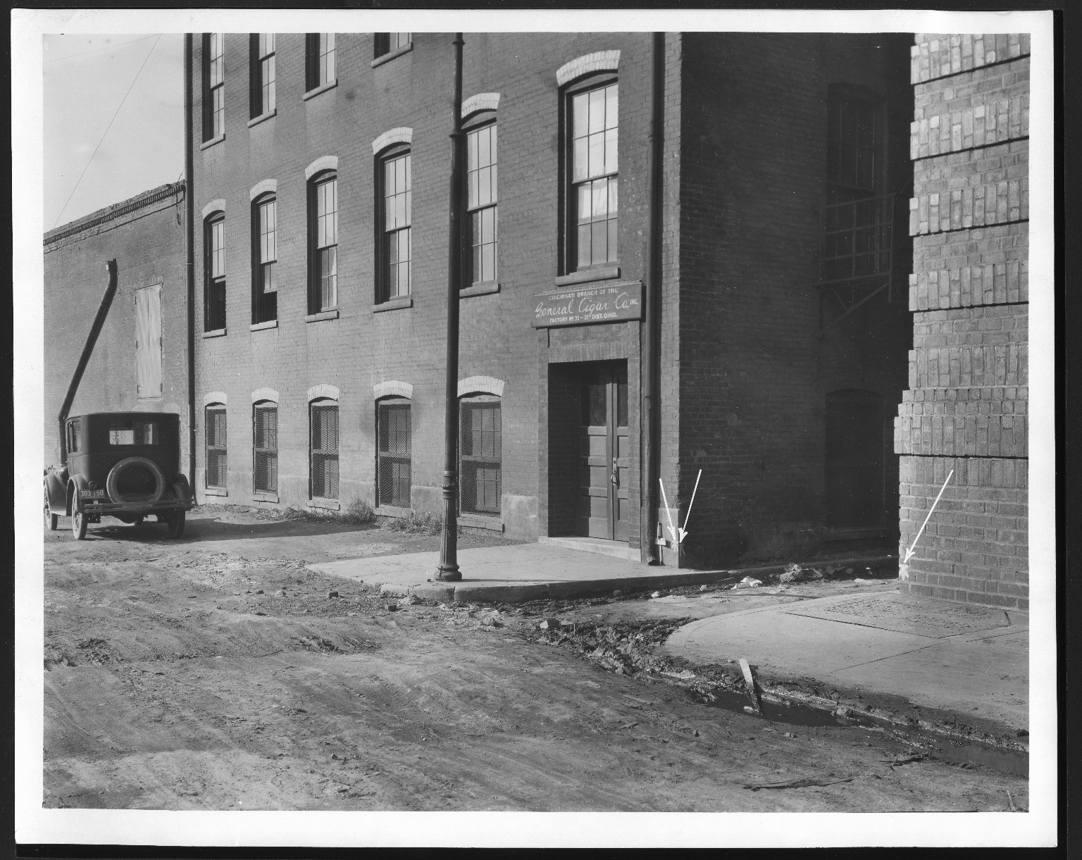 Rapid Transit Photographs -- Box 12, Folder 22 (November 12, 1926) -- print, 1926-11-12, 2:00 P.M.