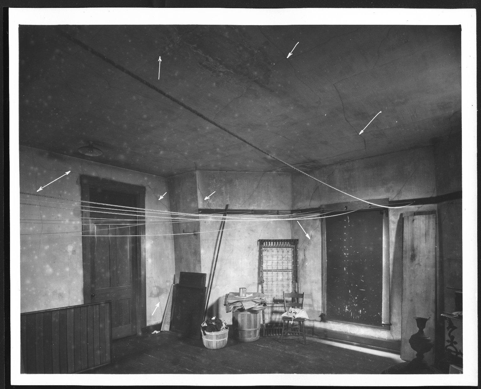 Rapid Transit Photographs -- Box 12, Folder 39 (June 15, 1927 - June 16, 1927) -- print, 1927-06-16, 9:40 A.M.