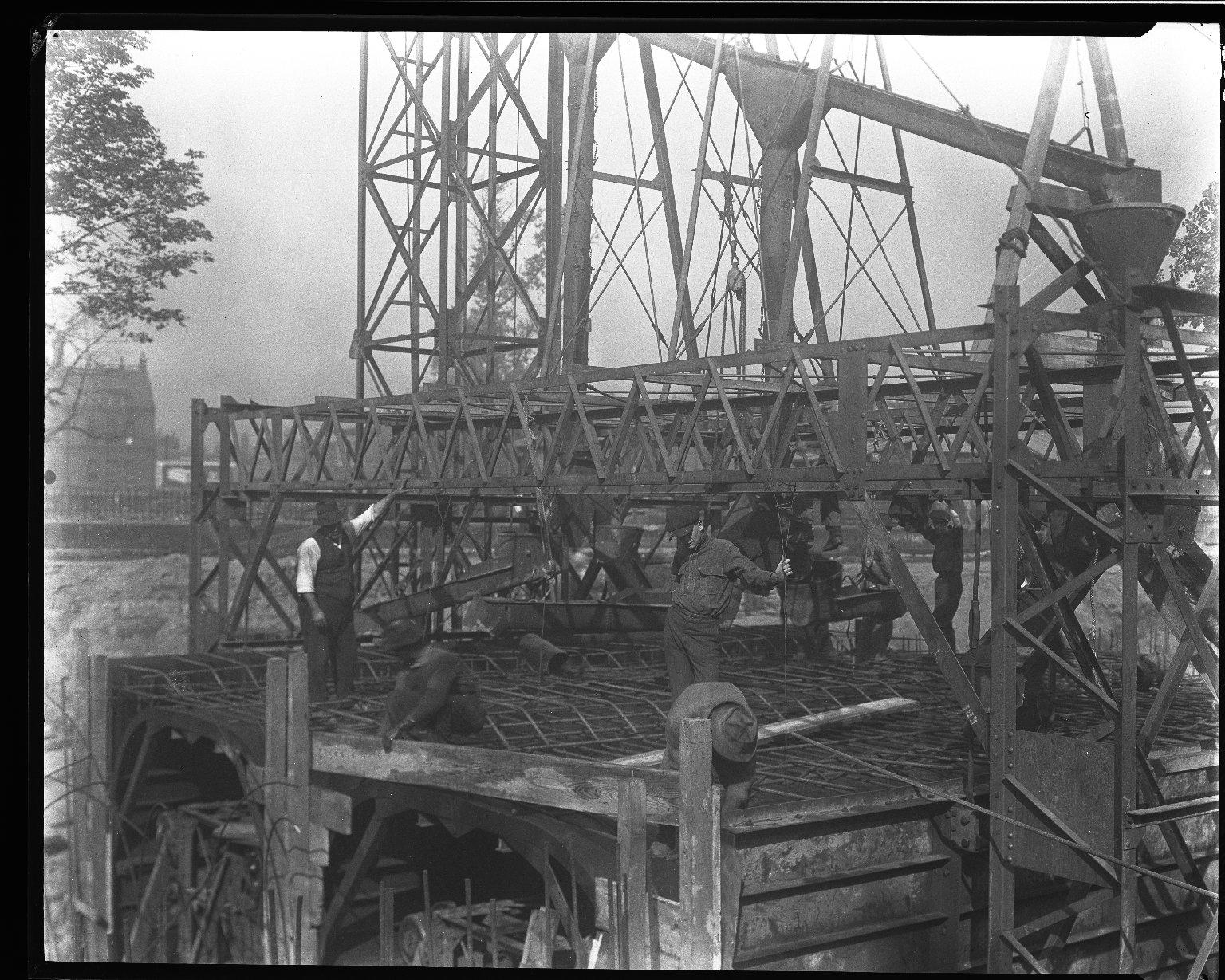 Rapid Transit Photographs -- Box 14, Folder 13 (September 16, 1920 - September 21, 1920) -- negative, 1920-09-21, 9:20 A.M.