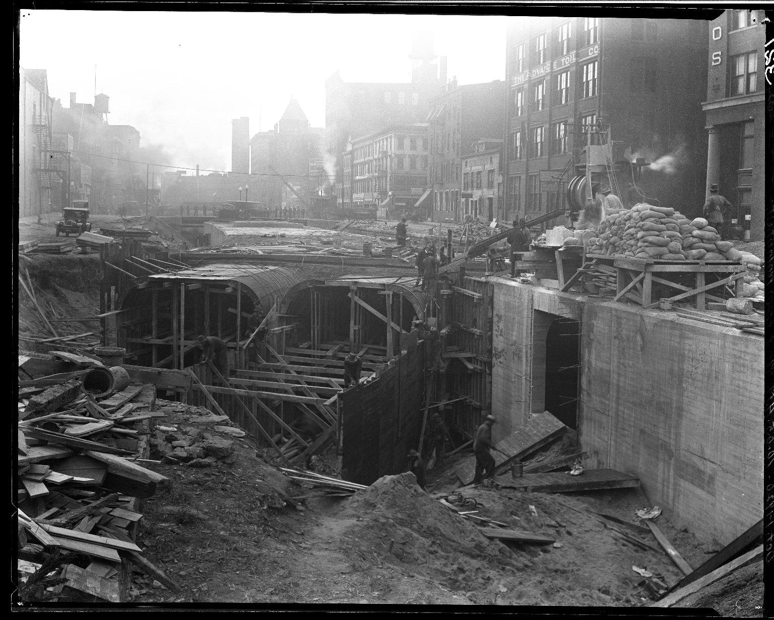 Rapid Transit Photographs -- Box 14, Folder 15 (September 23, 1920 - October 1, 1920) -- negative, 1920-10-01, 10:05 A.M.