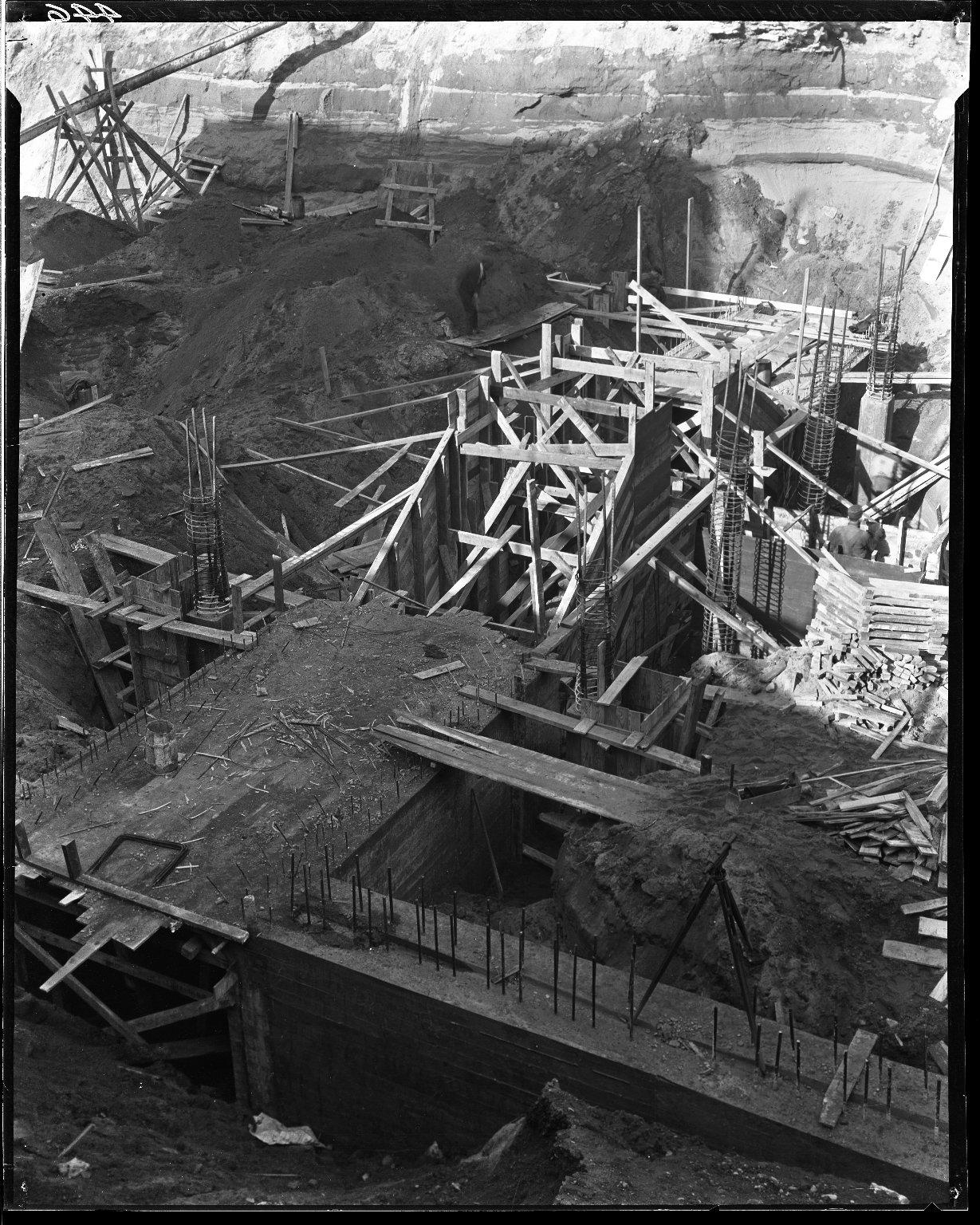 Rapid Transit Photographs -- Box 14, Folder 32 (January 5, 1921) -- negative, 1921-01-05, 11:41 A.M.