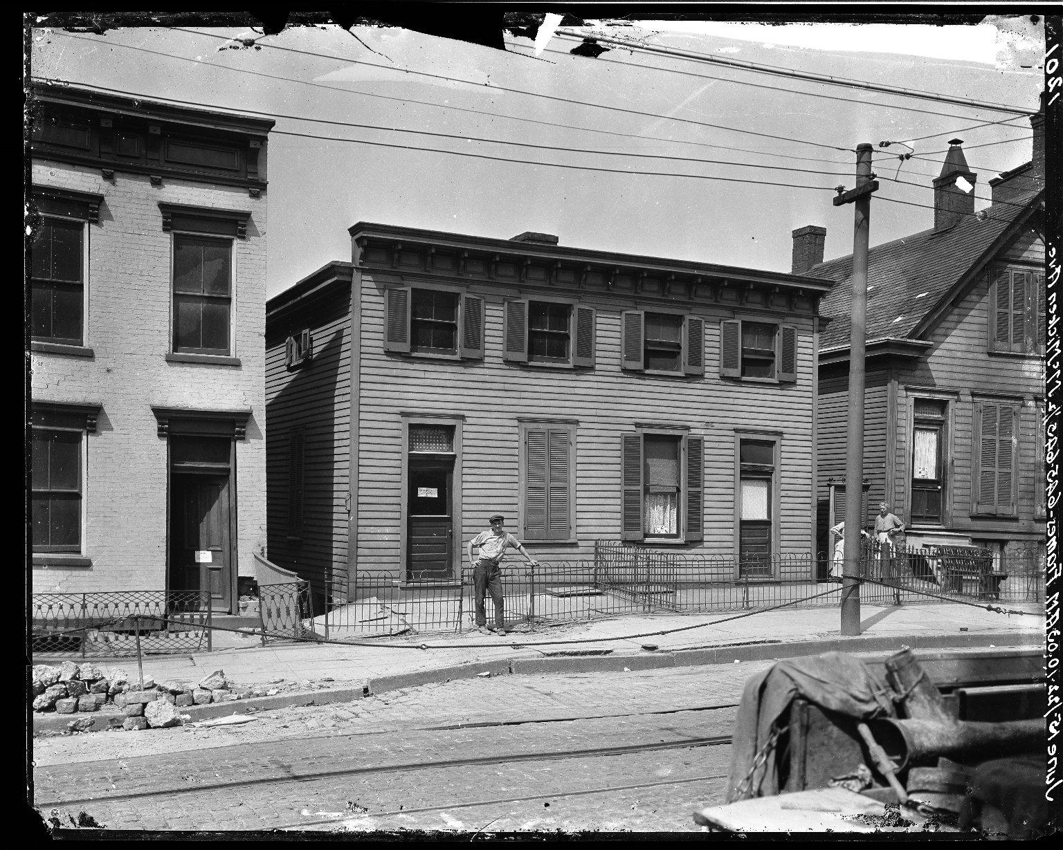 Rapid Transit Photographs -- Box 17, Folder 19 (June 14, 1922 - June 16, 1922) -- negative, 1922-06-15, 10:03 A.M.