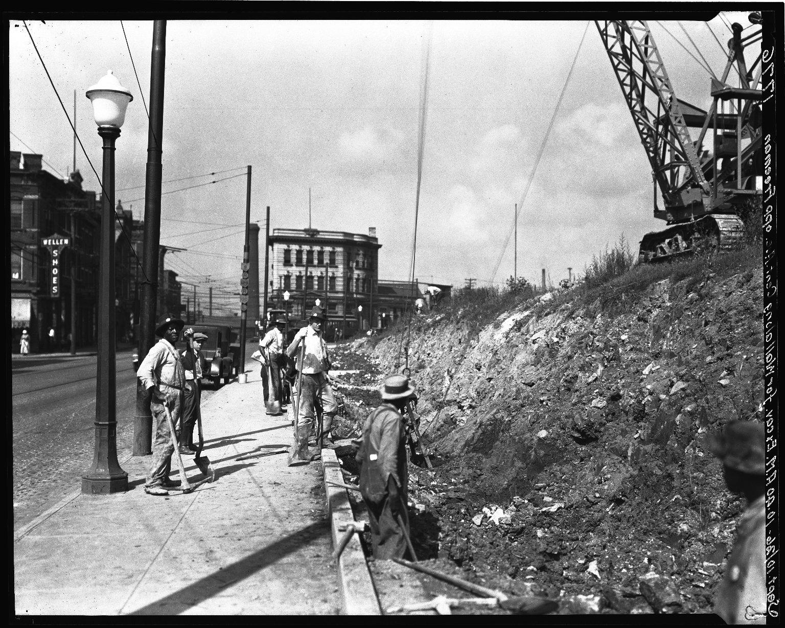 Rapid Transit Photographs -- Box 18, Folder 30 (September 10, 1926 - September 15, 1926) -- negative, 1926-09-10, 10:40 A.M.