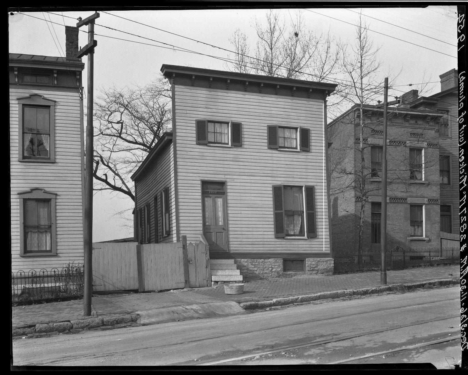 Rapid Transit Photographs -- Box 19, Folder 13 (December 3, 1926) -- negative, 1926-12-03, 11:30 A.M.