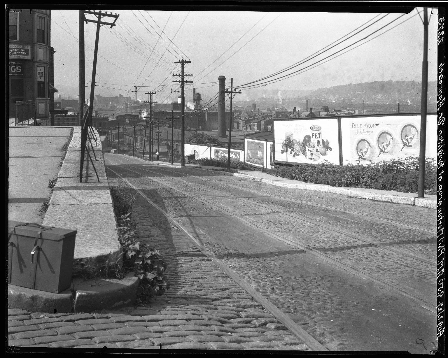 Rapid Transit Photographs -- Box 20, Folder 14 (August 2, 1927) -- negative, 1927-08-02, 9:50 A.M.
