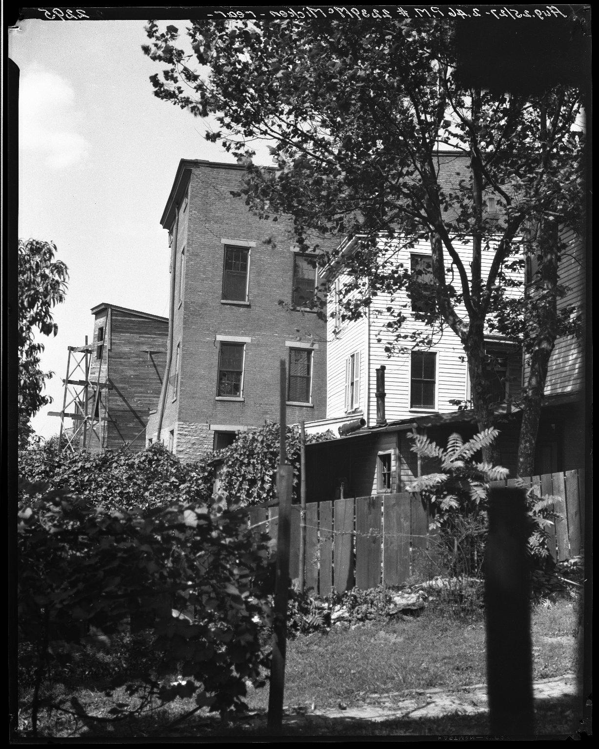 Rapid Transit Photographs -- Box 20, Folder 17 (August 25, 1927) -- negative, 1927-08-25, 2:46 P.M.