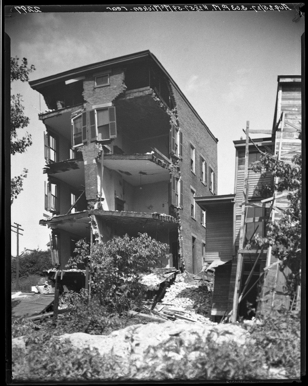 Rapid Transit Photographs -- Box 20, Folder 18 (August 25, 1927 - September 19, 1927) -- negative, 1927-08-25, 3:03 P.M.