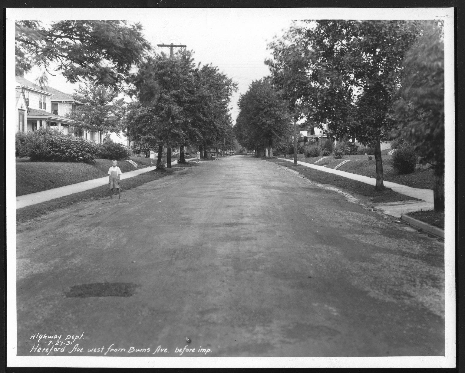 Street Improvement Photographs -- Box 24, Folder 25 (Herefeord Avenue) -- print, 1931-07-27