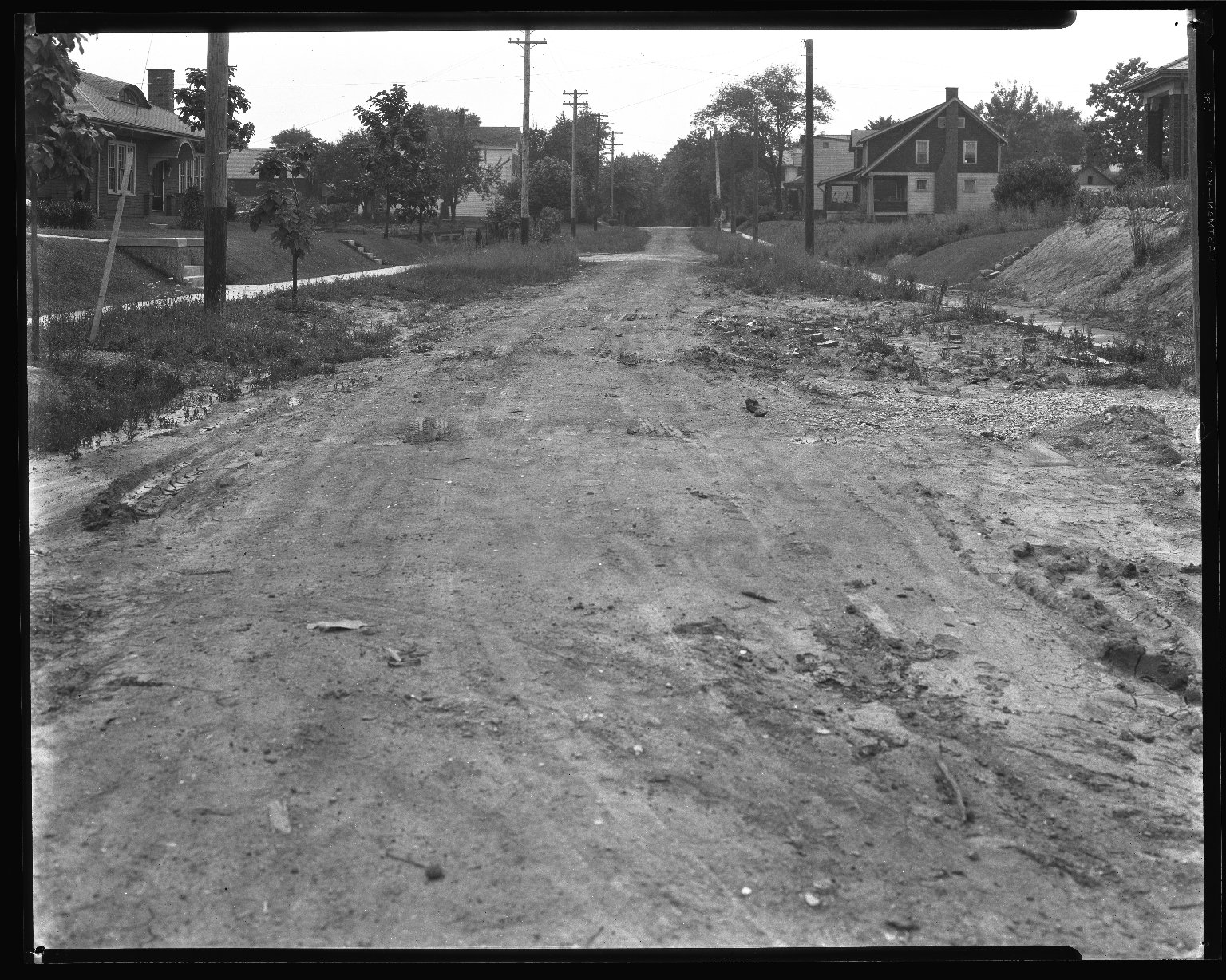Street Improvement Photographs -- Box 35, Folder 52 (Franklin Avenue) -- negative, 1929