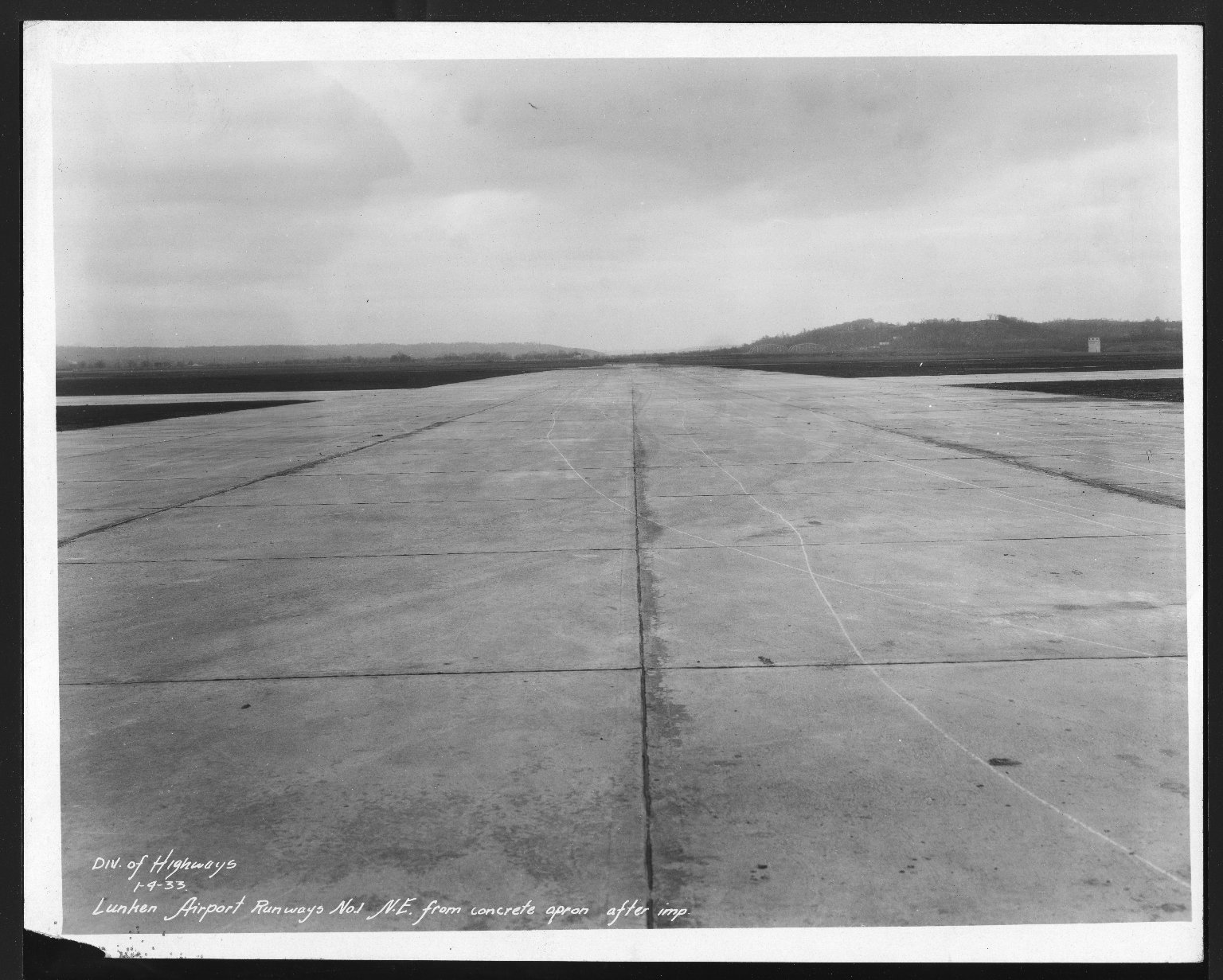 Miscellaneous Photographs -- Box 53, Folder 27 (Lunken Airport - January 1, 1933 - March 24, 1933) -- print, 1933-01-04
